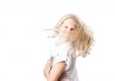 Lichte frisse kinder portretfoto in de studio